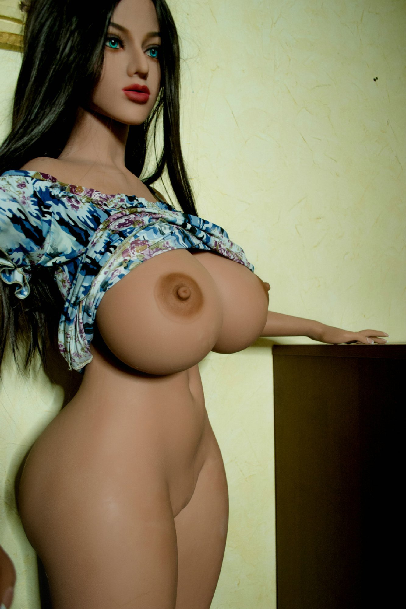 BIG TITS SEX DOLL KASANDRA