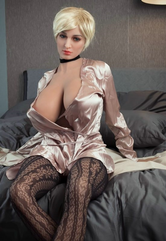 Big Butt and Huge Boobs Sex Doll